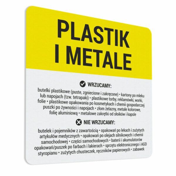 """Naklejka na kosz """"Plastik i Metale"""" z opisem tego co wrzucamy i czego nie wrzucamy do danego pojemnika."""