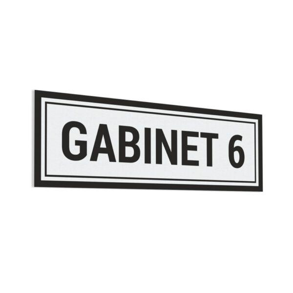 Naklejka na drzwi z napisem Gabinet 6