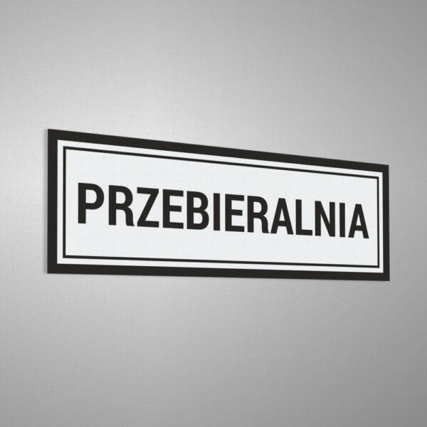 """Naklejka informacyjna na drzwi z napisem """"Przebieralnia""""."""